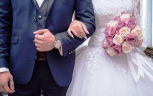 ICE desmantela grupo que executava falsos casamentos na Flórida