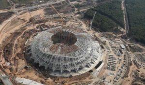 Já no ano da Copa, metade dos estádios ainda estão  em obras