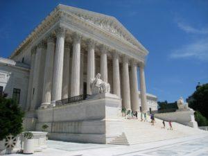 Suprema Corte se nega a avaliar pedido de Trump para acabar com o DACA