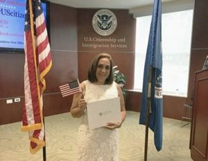 Imigração vai dar $10 milhões para residentes se tornarem cidadãos