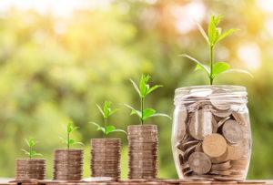 Você deve pagar as suas dívidas ou aumentar as poupanças? Como escolher e melhor estratégia?