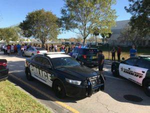 Atirador deixa mortos e feridos na High School em Parkland