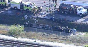 Acidente com tanque de gasolina bloqueia pistas na I-95 e afeta Tri-Rail