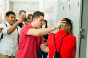 Flórida: Senado aprova lei que dá voucher para alunos que sofrem bullying irem a escola privada