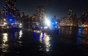 Helicóptero cai em rio de Nova York e deixa 5 mortos