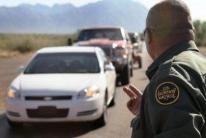Trump ameaça cortar financiamento de tropas na fronteira da Califórnia