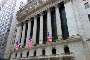 Bolsas americanas fecham em queda por medo de guerra comercial com a China