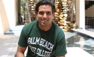 Aluno que voltou do coma se forma em faculdade na FL