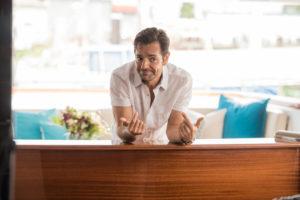 Entrevista: Eugenio Derbez quebra estereótipos em Overboard