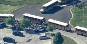 Tiroteio em middle school de Indiana deixa feridos