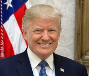"""Trump diz que tem poder de """"autoperdão"""" em caso da Rússia"""