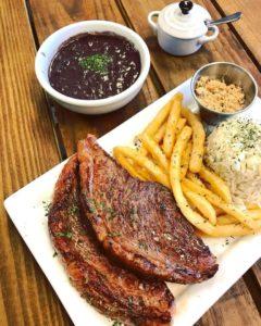 Restaurante Sabor Brasil cativa público na região central da FL