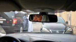 Mulheres passam a poder dirigir na Arábia Saudita neste domingo, 24