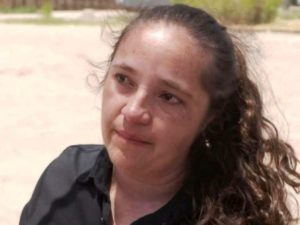 Brasileira reencontra filho após separação na fronteira dos EUA