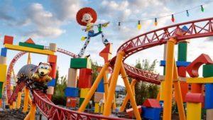 Disney inaugura parque temático Toy Story Land em Orlando