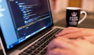 USF mira em jovens para preencher lacuna na área de segurança cibernética