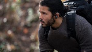 Ator Carlo Albán fala sobre seu primeiro papel no filme de ação Mile 22