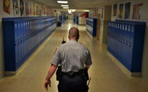 Comitê da Câmara da Flórida aprova programa para professores armados