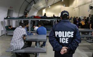 Brasileiro relata rotina dentro de prisão de imigração nos EUA