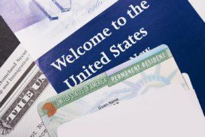 """Perguntas de Imigração: """"Fui deportado em 2004 e quero voltar"""""""