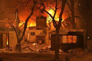 Mais de 200 pessoas estão desaparecidas pelo incêndio na Califórnia