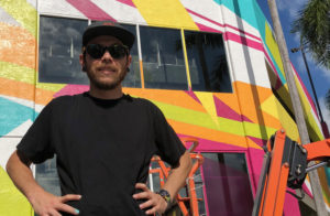 Artista brasileiro inaugura mural de arte em Fort Lauderdale