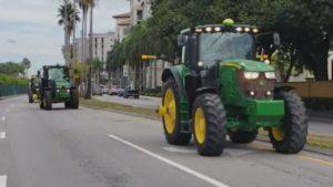 Agricultores da FL protestam contra novas políticas comerciais de Trump