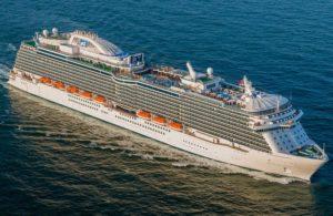 Navio de cruzeiro volta a Fort Lauderdale após morte de passageira a bordo