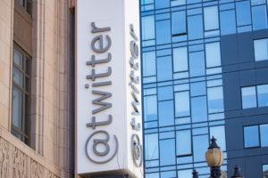 Twitter apagou mais de 10 mil contas desencorajando eleitores a votar no dia 6 nos EUA