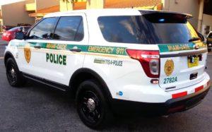 Polícia fecha escola do Sul da Flórida por ameaça com arma