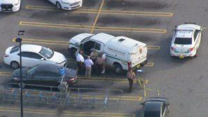 FL: Polícia encontra corpo dentro de porta-malas em estacionamento do Walmart