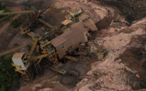 Bombeiros ordenam evacuação por risco de rompimento em outra barragem em Brumadinho (BH)