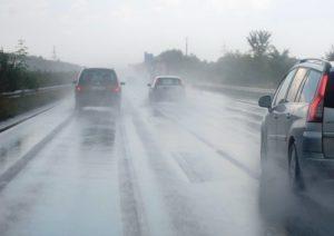 Fortes tempestades e risco de tornado colocam regiões da FL em alerta