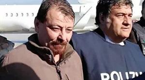 Após quase 40 anos foragido no Brasil, Battisti é levado para a Itália