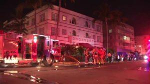 Hotel é evacuado após incêndio em Miami Beach