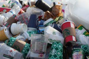 EUA e Brasil entre os grandes produtores de lixo plástico do mundo