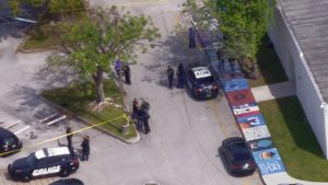 Aluno é esfaqueado durante briga na Coral Springs High School