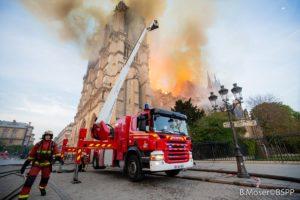 Doações para reconstrução da Catedral de Notre Dame já somam €660 milhões