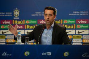 Copa do Catar: Tite e comissão monitoram jogadores para tentar rejuvenescer o grupo