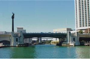Nova ferramenta alerta sobre a abertura de pontes levadiças em Miami