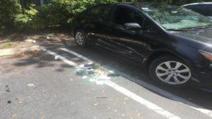 Veículos são arrombados e 1 é furtado de complexo de apartamentos em Miami-Dade