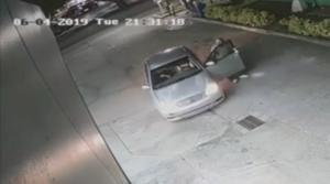 Ladrões roubam e atropelam homem em posto de gasolina em Hollywood