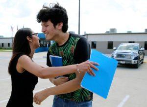 Jovem americano é liberado depois de quase um mês sob custódia da imigração