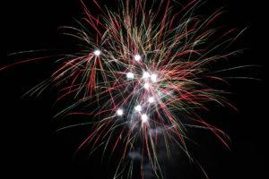 Diferentes explosões de fogos de artifício em Broward matam 2 e ferem 1