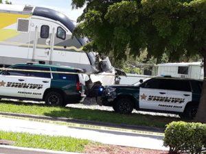 Motorista morre em colisão de veículo com trem em Pompano Beach