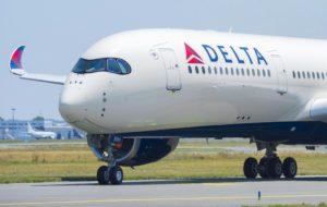 Funcionário da Delta é preso com arma carregada na mochila no Aeroporto Internacional de Fort Lauderdale
