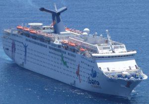 Navio de cruzeiros da Flórida traz milhares de moradores evacuados das Bahamas