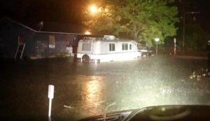 Depressão Tropical Imelda provoca fortes inundações no Texas