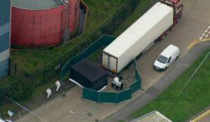 Quase 40 corpos encontrados em caminhão na Inglaterra são de chineses