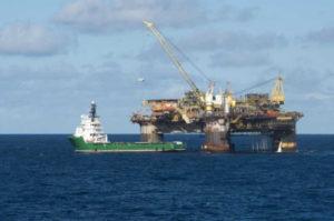 Governo brasileiro realiza maior leilão de petróleo e gás da história